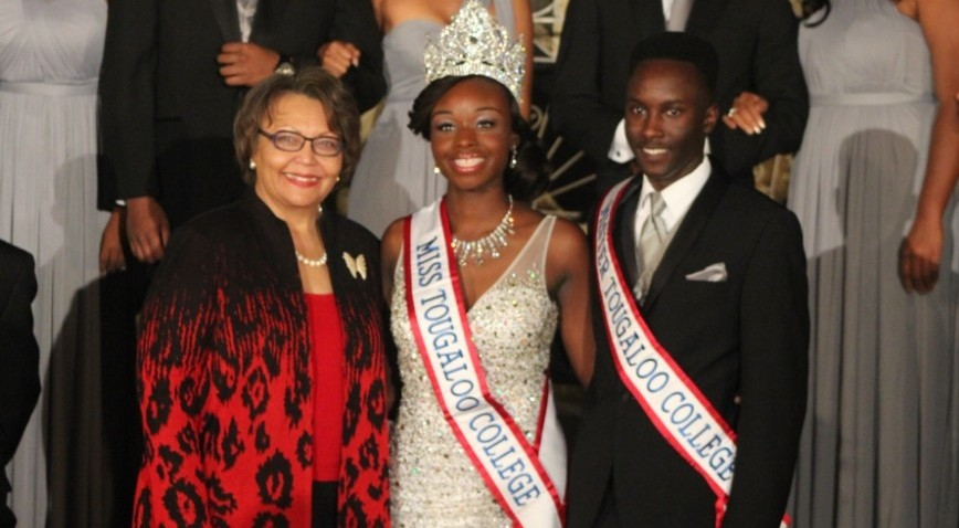 Miss Tougaloo Taralyn Rowell & Mr. Tougaloo Jonathan Taylor with President Hogan