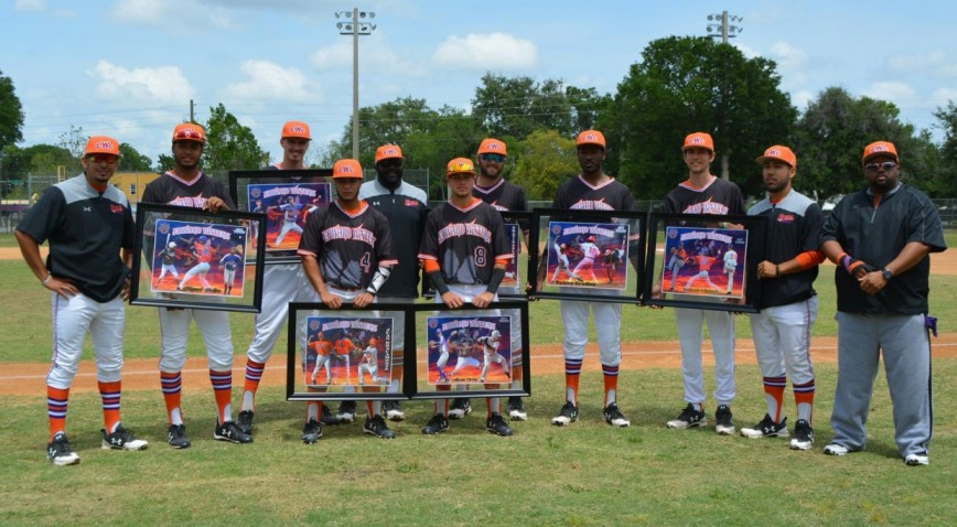 EWC Honored Seven Seniors Prior To Saturday's Doubleheader