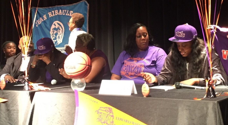 LaQuanza Glover and LaTerra Ransom Signing Letters Of Intent To Play At EWC